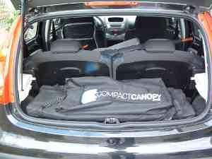 Compact Canopy passt sogar quer in den Kleinwagen