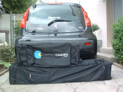 Faltzelt Compact Canopy passt in den Kofferraum