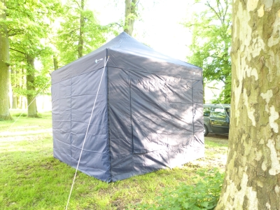 faltzelt sichern gegen wind faltzelt faltpavillon mit nur 1m packma. Black Bedroom Furniture Sets. Home Design Ideas