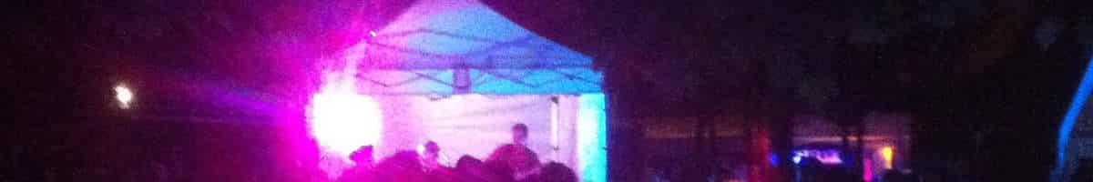 Bühnenzelt aus 3x3m Faltpavillon