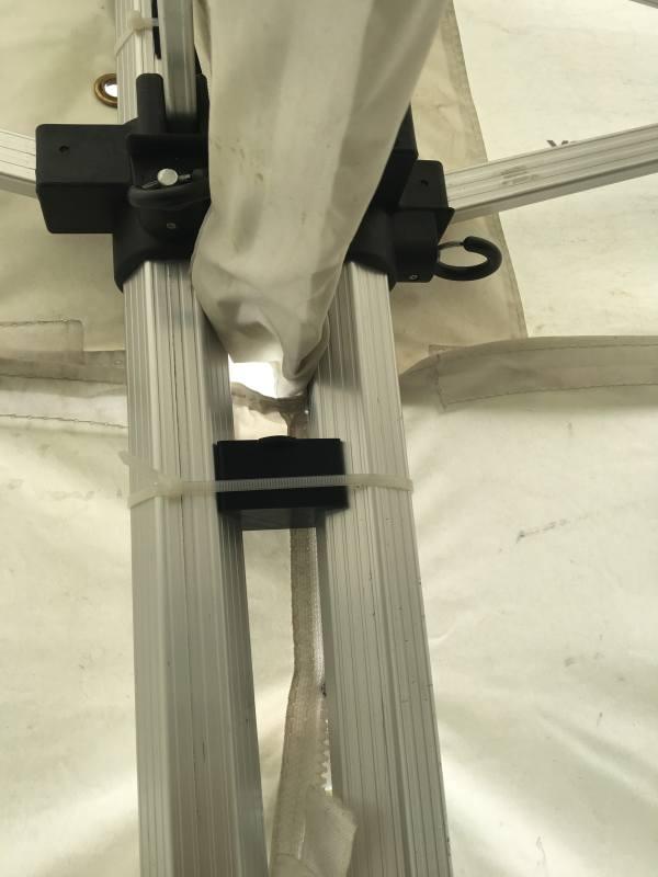 Verbinder für 2 Faltzelte einfach und praktisch.
