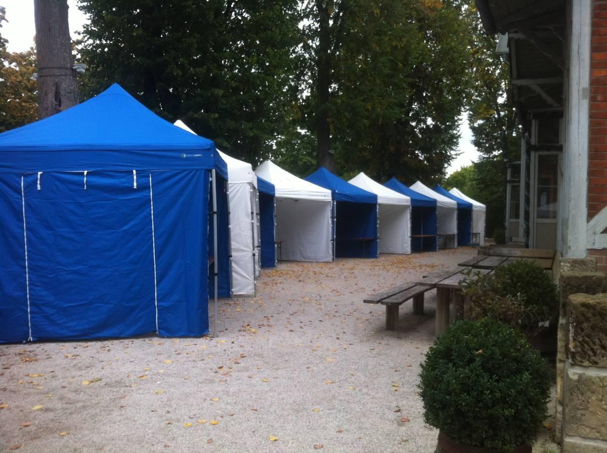 Faltpavillons gemietet für Jubiläum