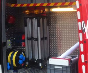 Faltzelt in Feuerwehrfahrzeug