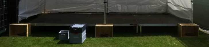 Kisten für Bühnenzelt